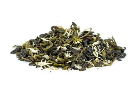 Green tea with petals of flowers