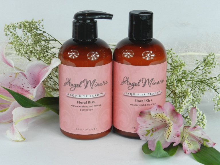 Floral Kiss bath set